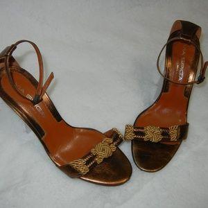 Classy Via Spiga Heels